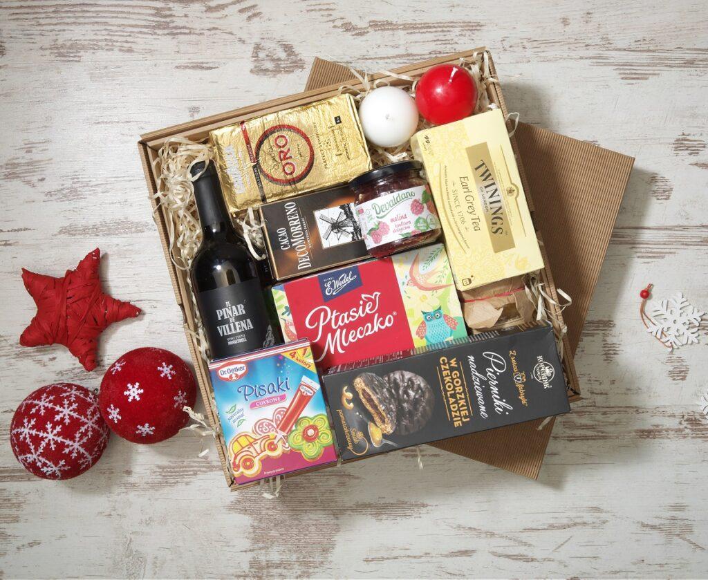 zestawy świąteczne paczki dla pracowników